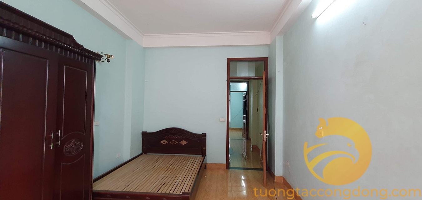 Giá rẻ diện tích rộng, nhà Định Công 45 m2 x 4T đủ công năng