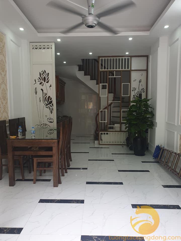 Bán nhà gấp, trung tâm phố Xã Đàn, 26m2 1.98 tỷ