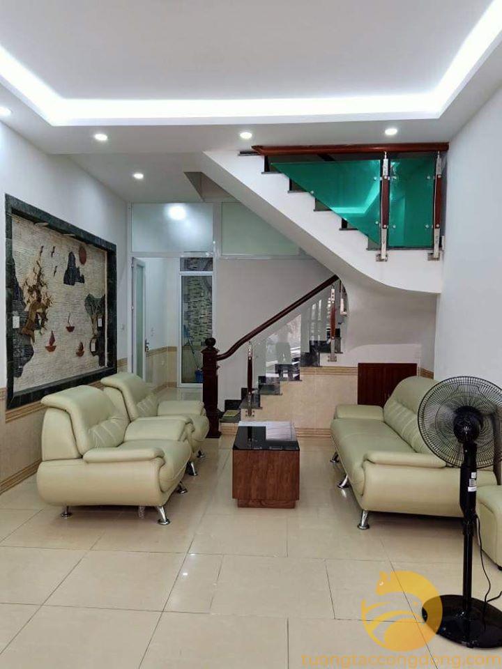 Cực Sốc!! Nhà đẹp 5 tầng Nguyễn Lương Bằng, Đống Đa gần ô tô